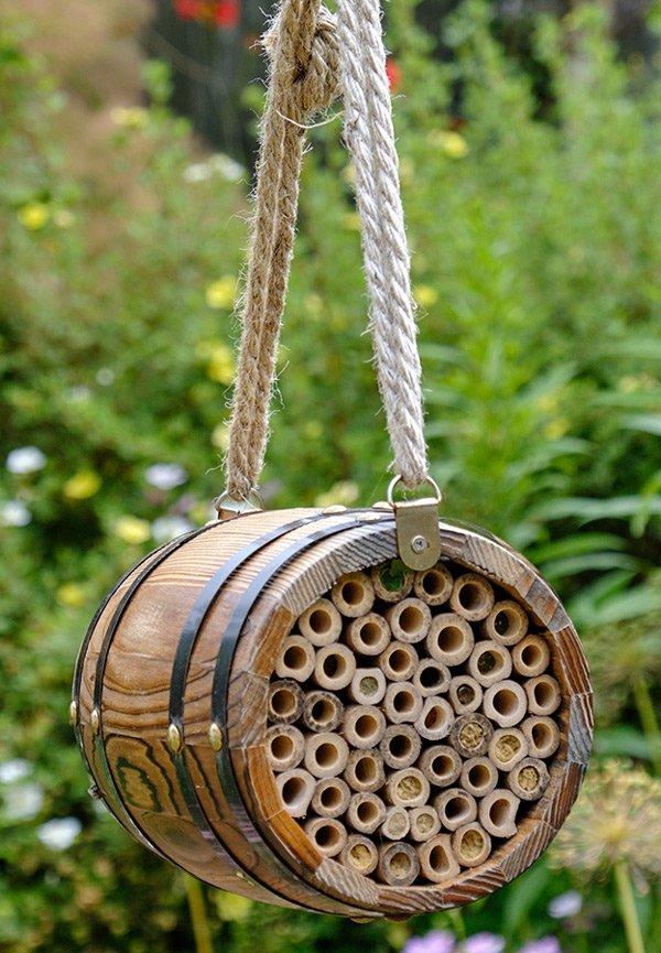 Bee-barrel-hotel