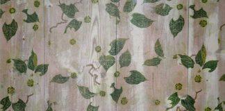 Napkins decoupage on wood feature
